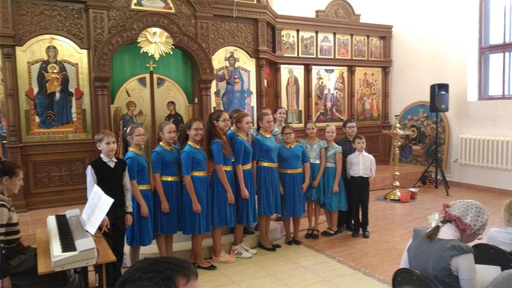 Покров Пресвятой Богородицы над Россией
