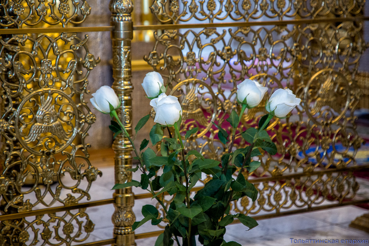 Молитвой отметили день образования епархии