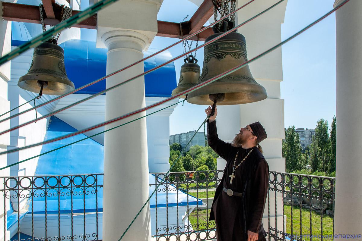 Колокольный звон по всей России