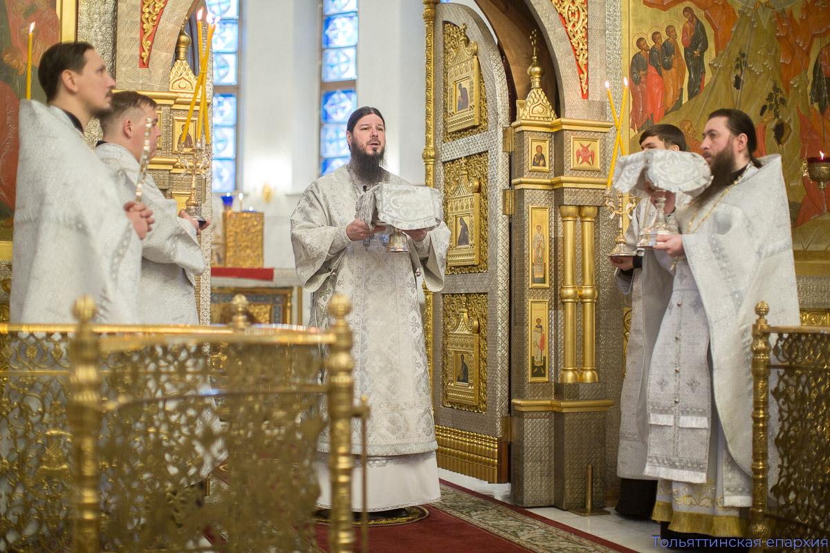 Живые и умершие – члены одного организма Церкви Христовой