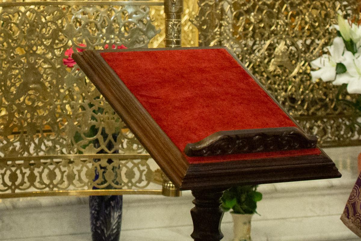 С заботой о благоукрашении храма