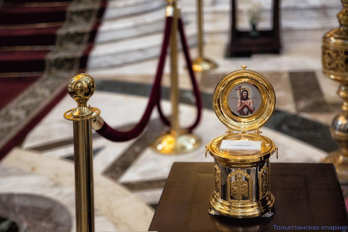 Через Свои иконы Богородица помогает людям