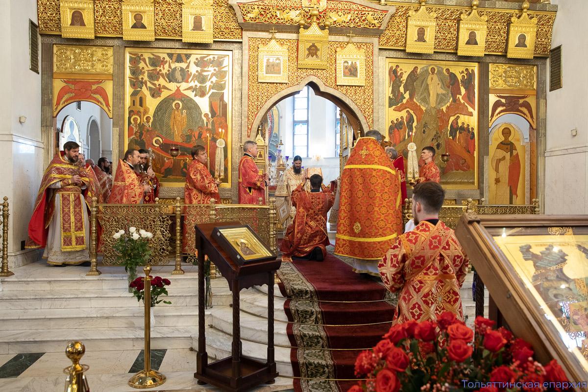 Клирики Тольяттинской епархии поздравили Правящего архиерея с Пасхой