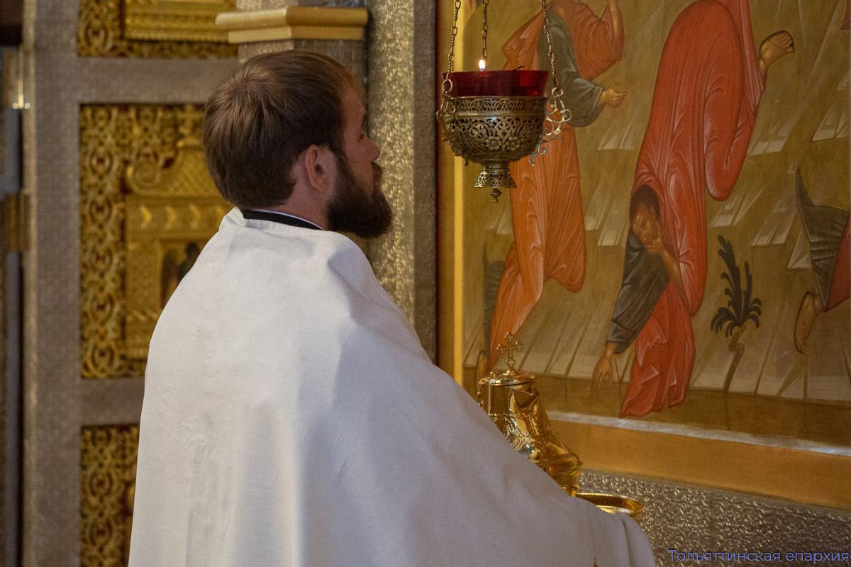 Епископ Нестор совершил диаконскую хиротонию