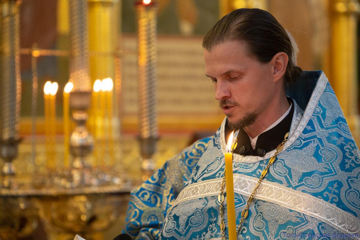 Епископ Нестор совершил утреню с чином погребения Божией Матери